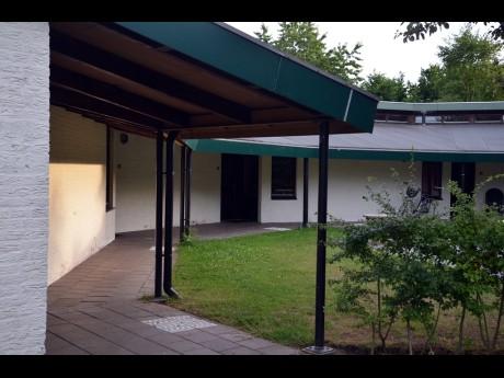 4 persoons bungalow 37 vakantiepark het timmerholt - Halve cirkelbank ...